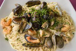 1/2 Spaghetti de Mariscos