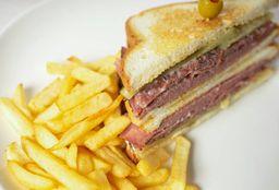 Sándwich Meat Lovers