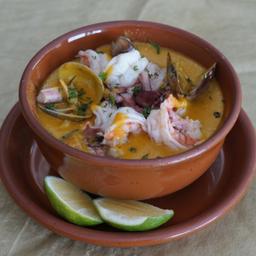 Sopa de cazuela de mariscos