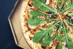 Pizza Berenjenas, Cebollas y Tomates Secos