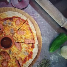 Combo 2: 1 Pizza y 4 Cervezas